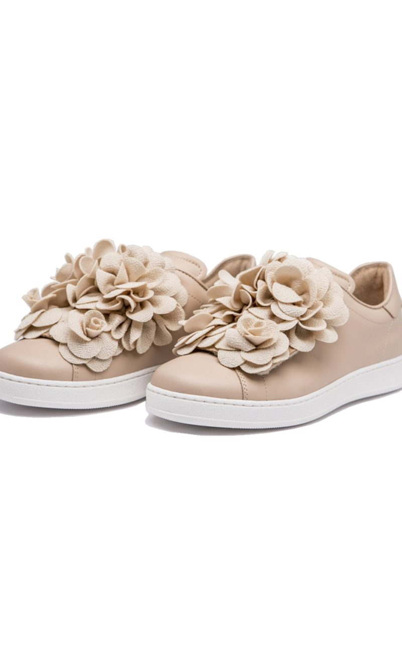Nude flower embellished elegant leather sneakers - Pokemaoke